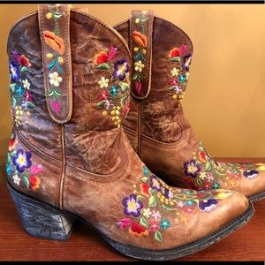 Old Gringo floral embroidered boots size 9 ❤️